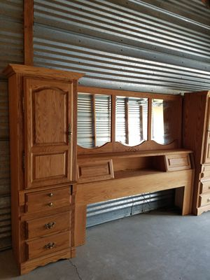 King Sized Bedroom Set for Sale in Puyallup, WA