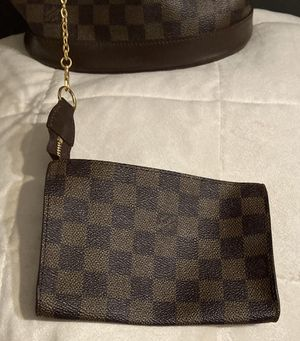 Louis Vuitton - Marais Bucket Bag for Sale in Philadelphia, PA