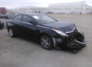 2011-2014 HYUNDAI SONATA PARTS ONLY! PARTS ONLY for Sale in Duarte, CA