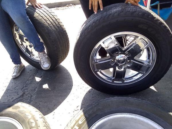 Jeep chrome wheels