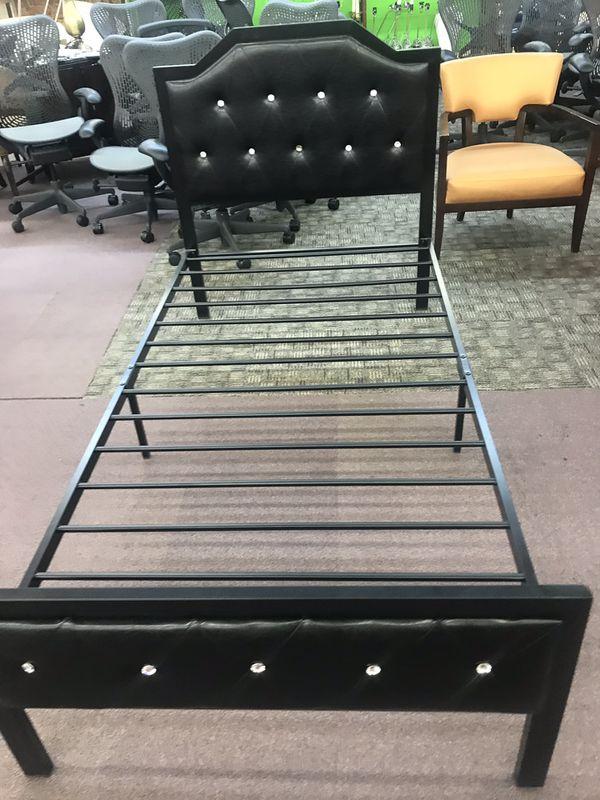 Metal Bed 🛏 TWIN FULL QUEEN