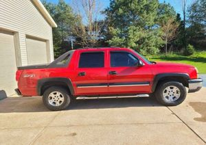 Truck excellent 2003 Chevrolet Avalanche for Sale in Buffalo, NY