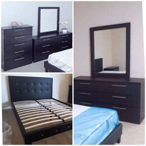 New king bed frame mirror dresser and chest mattress is not included for Sale in Pompano Beach, FL