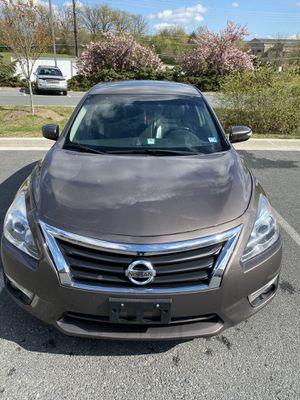 2013 NISSAN ALTIMA SL BLUETOOTH AND PUSH START BUTTON for Sale in Germantown, MD