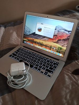 APPLE MACBOOK AIR,13 INCH COLOR GREY 2014 IN VERY GOOD CONDITION EVERYTHING WORKS GREAT,YOU CAN TEST IT BEFORE YOU BUY IT,VERY CLEAN for Sale in Los Angeles, CA