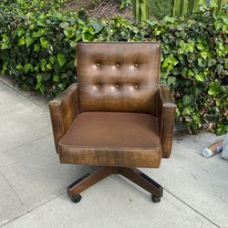 Mid Century Brown Chair for Sale in Los Angeles,  CA