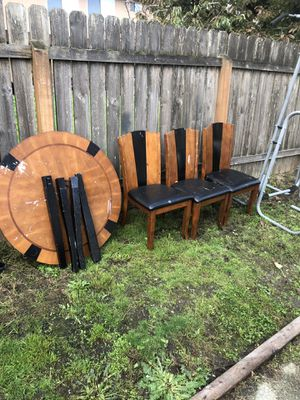 Free Kitchen table and 3 chairs for Sale in Everett, WA