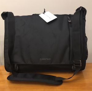 Messenger bag *NEW, never used, with tags* for Sale in Columbus, OH