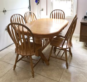 Traditional Farmhouse Solid Wood Extending Dining Set with 6 Chairs for Sale in Montebello, CA