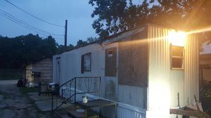 Mobile home for sale.needs work .no title has to be moved it has a hitch could be moved with a truck for Sale in Rosenberg, TX
