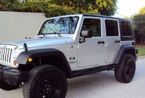 Price$18OO Jeep Wrangler 2OO7 for Sale in Chandler, AZ