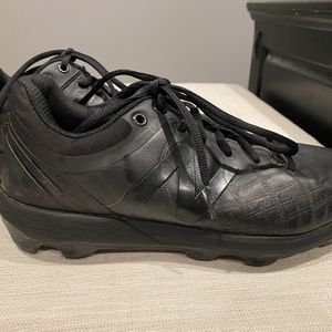 New Balance baseball cleats size 8 for Sale in Downey, CA