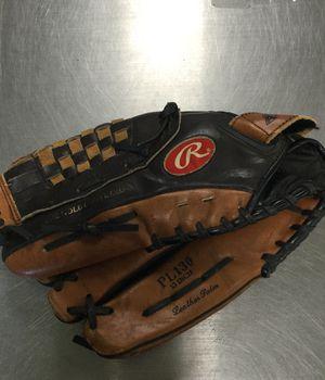Rawlings 13 Inch Left Hand Throw Baseball Glove for Sale in Marlboro Township, NJ