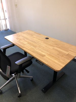 Desk - height adjustable table for Sale in San Leandro, CA