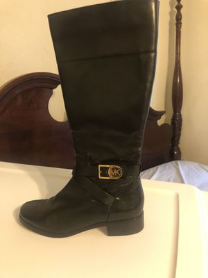 Michael kors boots for Sale in Fresno, CA