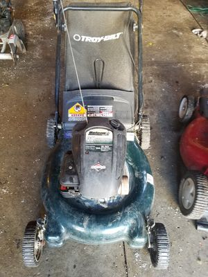 Lawn mower with bag for Sale in Kenosha, WI