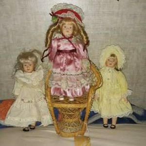3 Glass Dolls With Wicker Chair for Sale in Limestone, TN