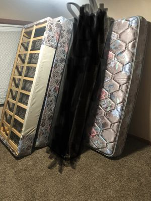 King mattress and split box springs for Sale in Ecorse, MI