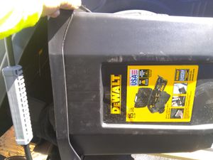 DeWalt 15 gallon tool box for Sale in Lodi, CA