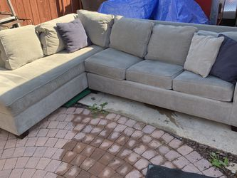 Couch With Pull Out Bed for Sale in San Diego,  CA