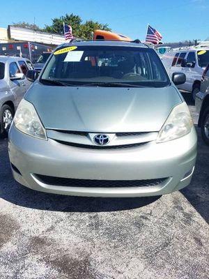 2006 Toyota Sienna for Sale in Miami, FL