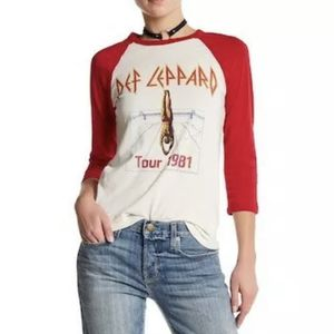 """Def Leppard 1981 tour band tee baseball raglan 100% cotton Washed in organic detergent 17"""" across underarms 20"""" shoulder to bottom of side for Sale in Phoenix, AZ"""