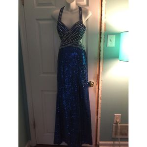 Size 4 prom dress for Sale in Blackwood, NJ