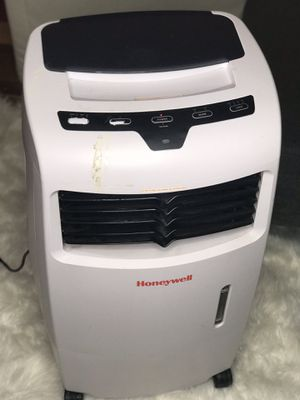 Honeywell fan and humidifier.. not used so much! for Sale in Brooklyn, NY