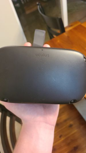 Oculus Quest HEADSET ONLY for Sale in Lake Tapps, WA