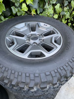 Jeep rubicon 17 inch rims 5 lugs for Sale in Cudahy, CA