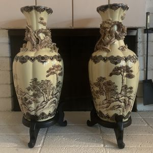 Pair of Chinese Antique Vases With 3D Dragon Detail for Sale in Monterey Park, CA