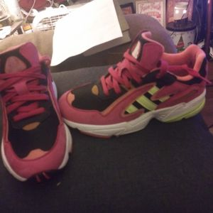 Adidas Shoes Sz 5 for Sale in Oklahoma City, OK