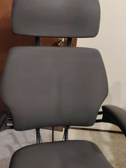 Freedom HumanScale Task Chair F211 with Headrest for Sale in Covington,  WA