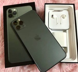 iPhone 11 Pro max for Sale in LOS ANGLS Air Force Base, CA