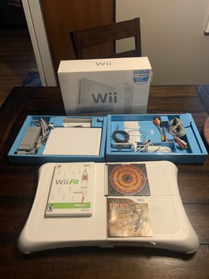 Nintendo Wii Bundle for Sale in Arvada, CO
