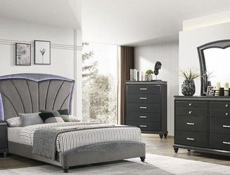 🌟🌟 SAVE UP 70 % OFF BEDROOM SET: QUEEN BED + NIGHTSTAND+ DRESSER+ MIRROR (**Mattress and Chest not included**) for Sale in Lynwood,  CA