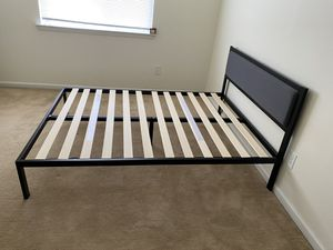 Zinus Bed frame for Queen mattress for Sale in Levittown, PA