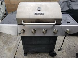 Propane gas bbq grill for Sale in Riverside, CA