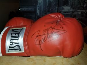 Autographed boxing gloves by Manny Pacquiao for Sale in Los Angeles, CA