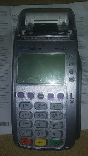 VeriFone VX520 CREDIT CARD READER for Sale in Los Angeles, CA