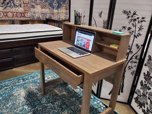 Mindy Student Desk, Hazelnut for Sale in Garden Grove, CA