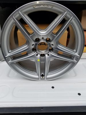 Mercedes Benz AMG Wheel A204 401 4102 for Sale in Merced, CA