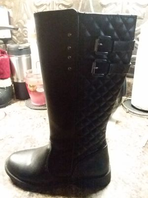 Girls tall boots- medium 1 for Sale in Fort Wayne, IN