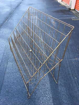 Gold metal magazine/vinyl rack for Sale in Lawrenceville, GA
