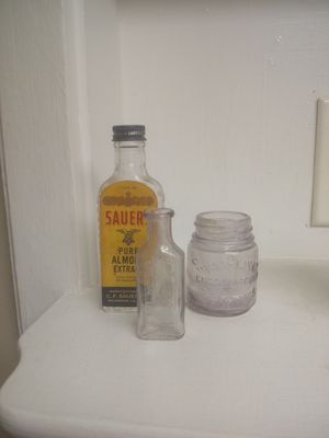 Antique bottles and medicine mixing bowl for Sale in Clayton, NC