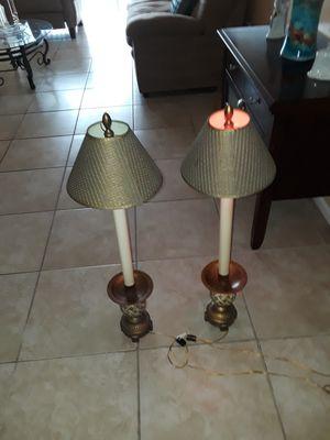 Vendo Dos lamparas 35 De Alto for Sale in South Miami, FL