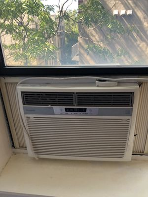 Frigidaire air conditioner for Sale in New York, NY