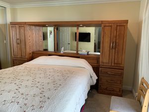 6 pieces bedroom set King size for Sale in Walnut, CA