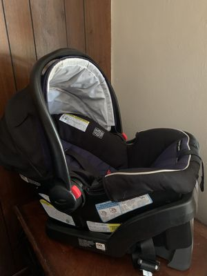 Graco car seat and base for Sale in Lakewood, CO