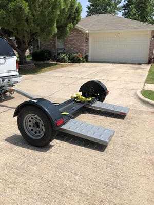 Car dolly with electric brakes for Sale in Saginaw, TX